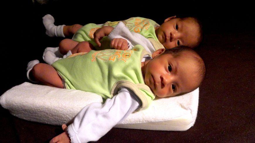 Os riscos e cuidados na gravidez de gêmeos